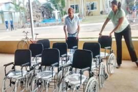 Lar São Vicente de Paulo adquire novas cadeiras de banho