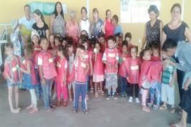 Crianças do CMEI Hilda Ramos visitam o Lar São Vicente de Paulo