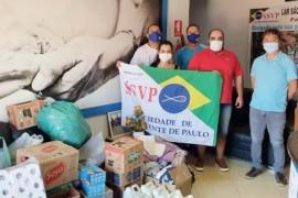 Conferência de Brasília, DF, faz doações para o Lar São Vicente