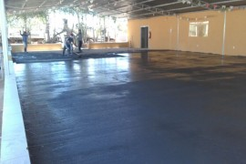 Galpão de eventos do Lar São Vicente recebe piso novo